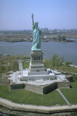 Freiheitsstatue_NYC_full
